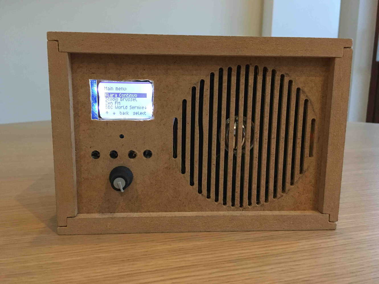 internetradio using recycled enclosure
